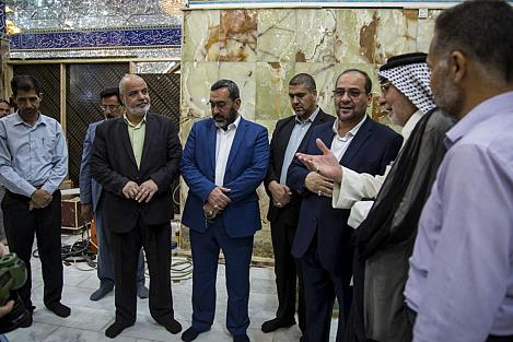 In pictures: The beginning of the last phase of the Qibla gate of the holy shrine of Aba al-Fadl al-Abbas (peace be upon him).