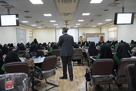 برفقة عددٍ من أعضاء مجلس إدارتها ورؤساء أقسامها: الأمينُ العامّ للعتبة العبّاسية المقدّسة يُجري جولةً على